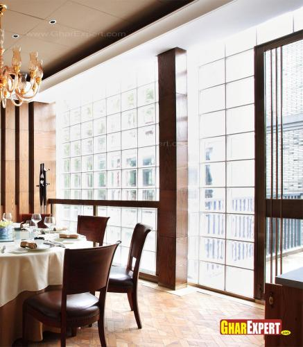 Glass window full hight for dining area