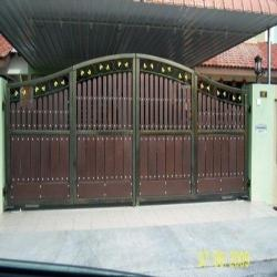 door design wooden gate