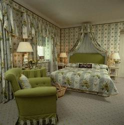 Green and cream theme curtains for bedroom