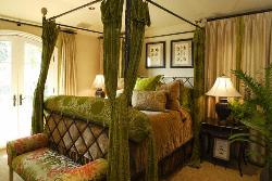 bedroom curtains in green theme