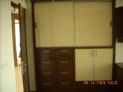 Wardrobe with profile shutters & lacquered glass
