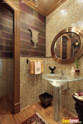 Awesome walls and decor for small bathroom