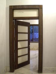 Laquer glass door white
