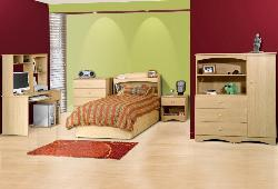 Wooden Furniture in Teen Bedroom