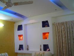 Living room wall and ceiling decor