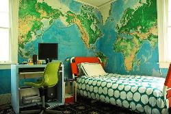 room 4 a globe lover...or a kid...