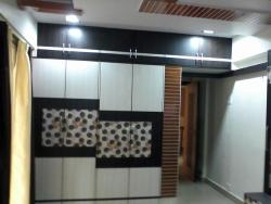 Picture of Bedroom Wardrobe with white and patterned laminate