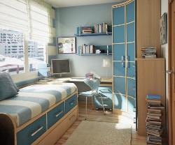 Corner Study table placement with single bed