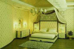 wallpaper design for the bedroom with upholstery on bed