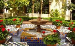 I like this Outdoor design using Fountains