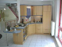 Another compact kitchen design