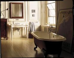 Bathroom Design With Antique Bath Tub