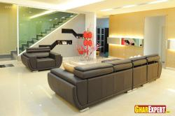 Leather sectional sofa in balck color for living room