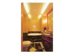 Bathroom Planning, Ceiling, Lighting, Vanity, Flooring, Bath tub and Interior