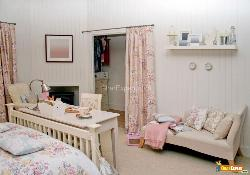 Pink theme in Kids room