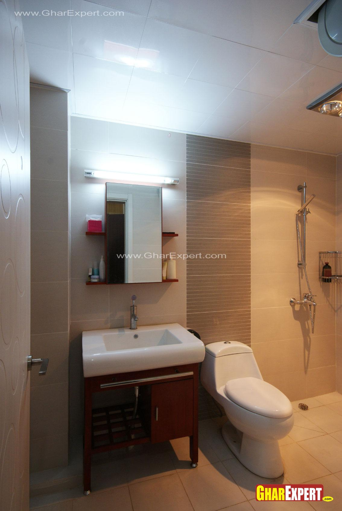 small space 60 sq. ft. bathroo....