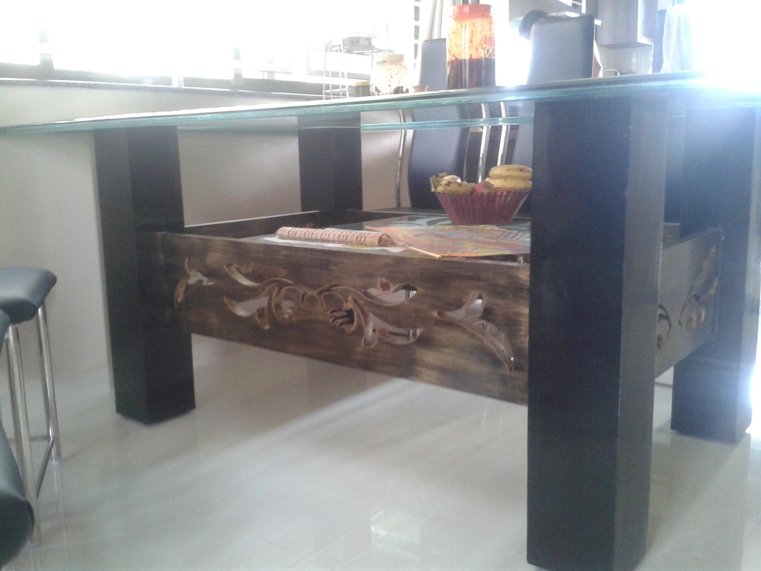 dining table with steel chairs