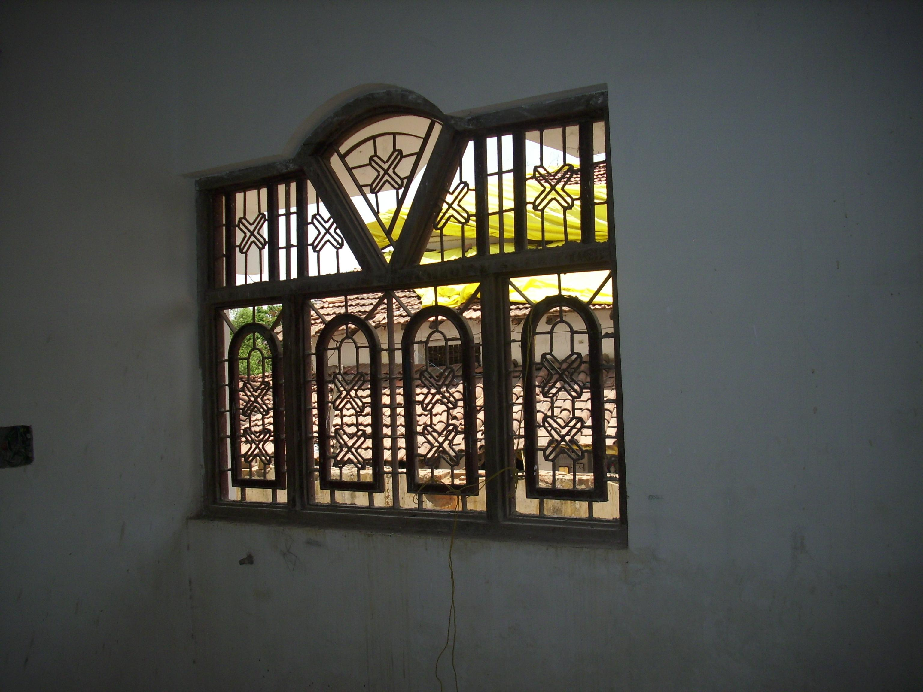 ARCHED WINDOW2